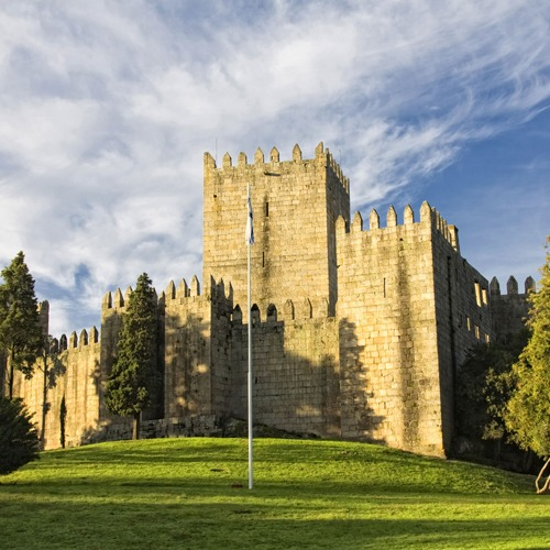 Guimarães Half Day Tour (P) e Guimarães Half Day Tour (R) - CLEVERTOURS